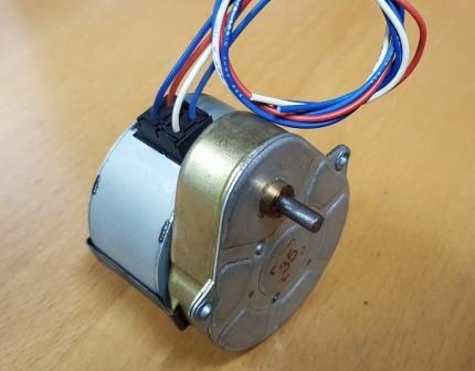 Synchrongetriebemotor 230V 2Upm